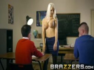Podwójna penetracja mega seksownej nauczycielki