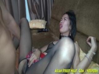Chuda Tajska prostytutka wynajęta na noc do hotelu